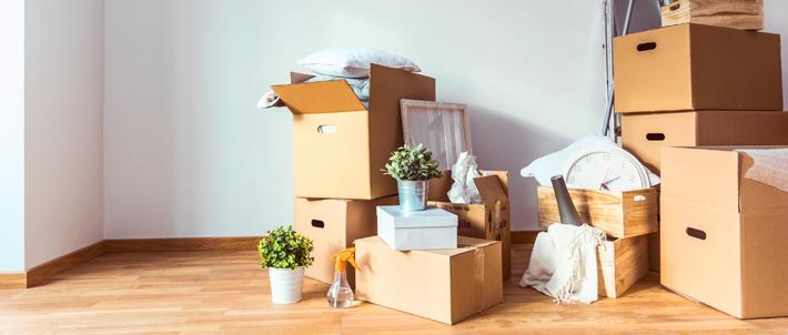 boîtes empilées déménagement